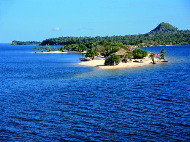 Praias de areia branca estão entre as belezas de Santarém